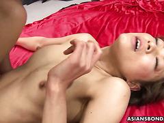 Sportliche Japanerin Aoi Mikami nimmt Bukkake und Creampie